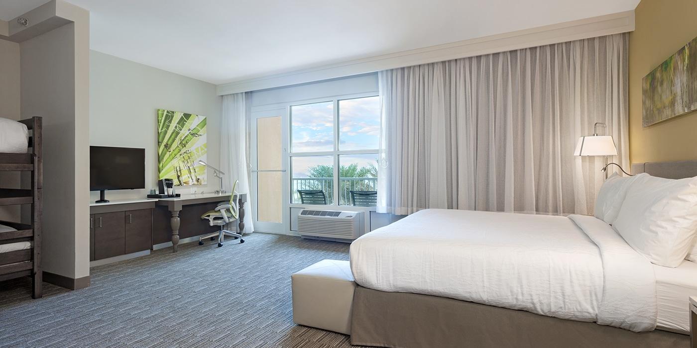 One King Junior Suite Gulf Front With Kids 39 Bunks Hilton Garden Inn